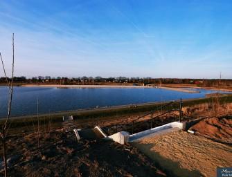Taras widokowy powstaje na górce kluczborskiego zalewu